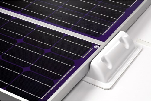 Solara spoiler connector zonnepaneel