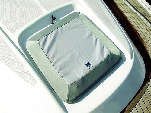 BP Hatch cover 2, 330 x 330